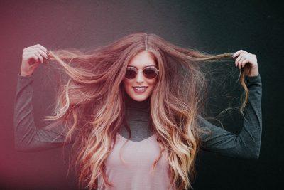 4 astuces incontournables pour faire pousser ses cheveux rapidement