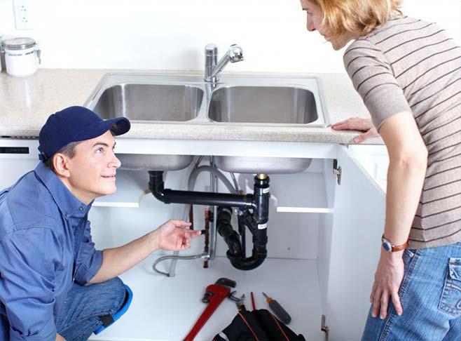 Quel est le rôle d'un plombier ?