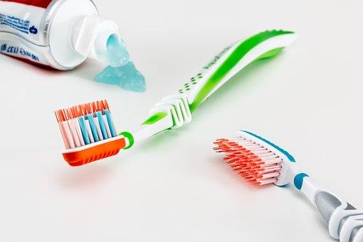 Comment blanchir les dents efficacement ?