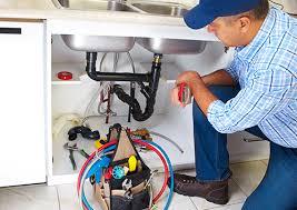 Comment éviter ces 3 problèmes de plomberie en été ?