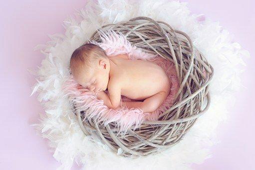 comment masser la tete de bebe