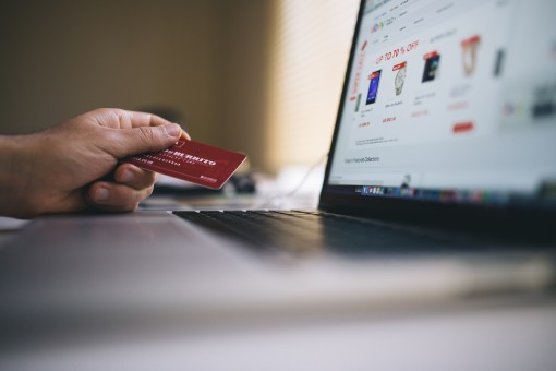 Particuliers : comment être éligible à l'octroi d'une carte de crédit?